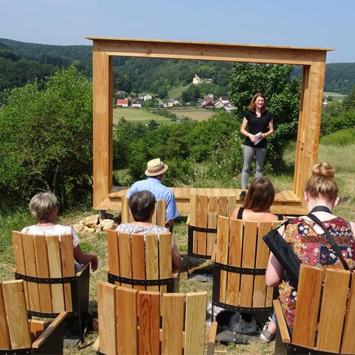 Ein Naturerlebnis im Juradistl-Gebiet der besonderen Art – Landrätin Tanja Schweiger eröffnete Landschaftskino in Rohrbach